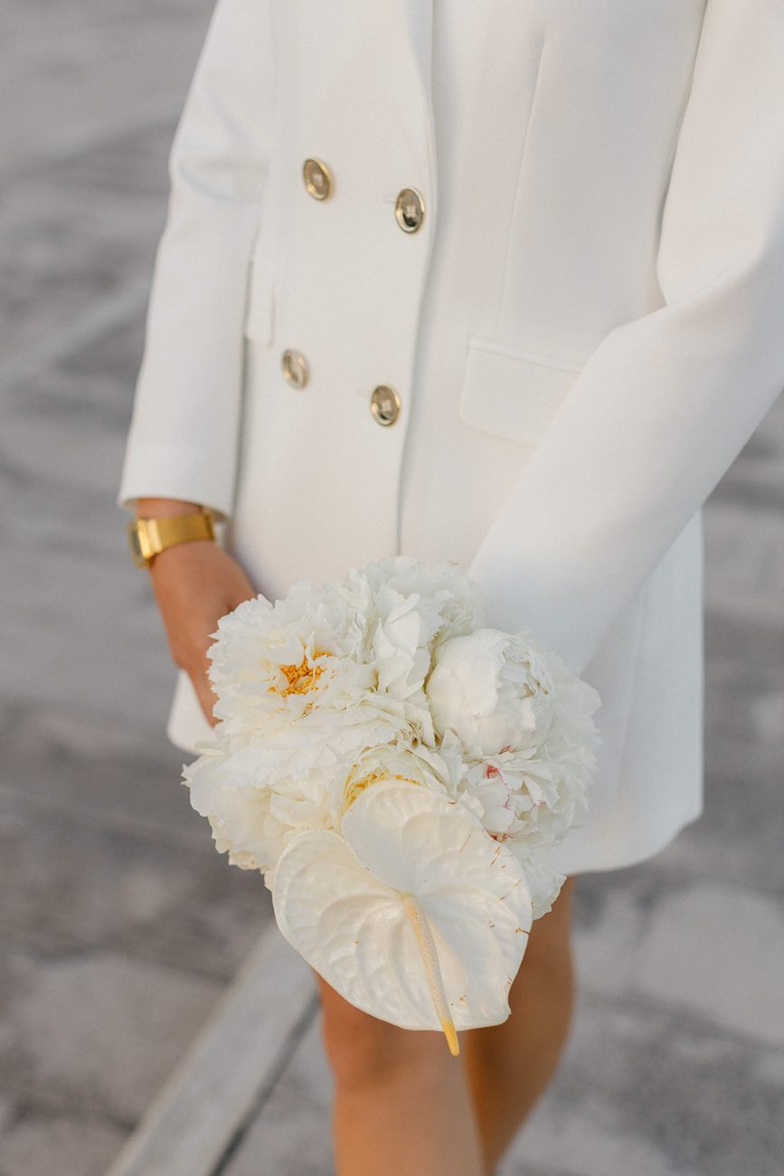 Modern white and gold wedding bouquet with anthuriums in Lisbon wedding